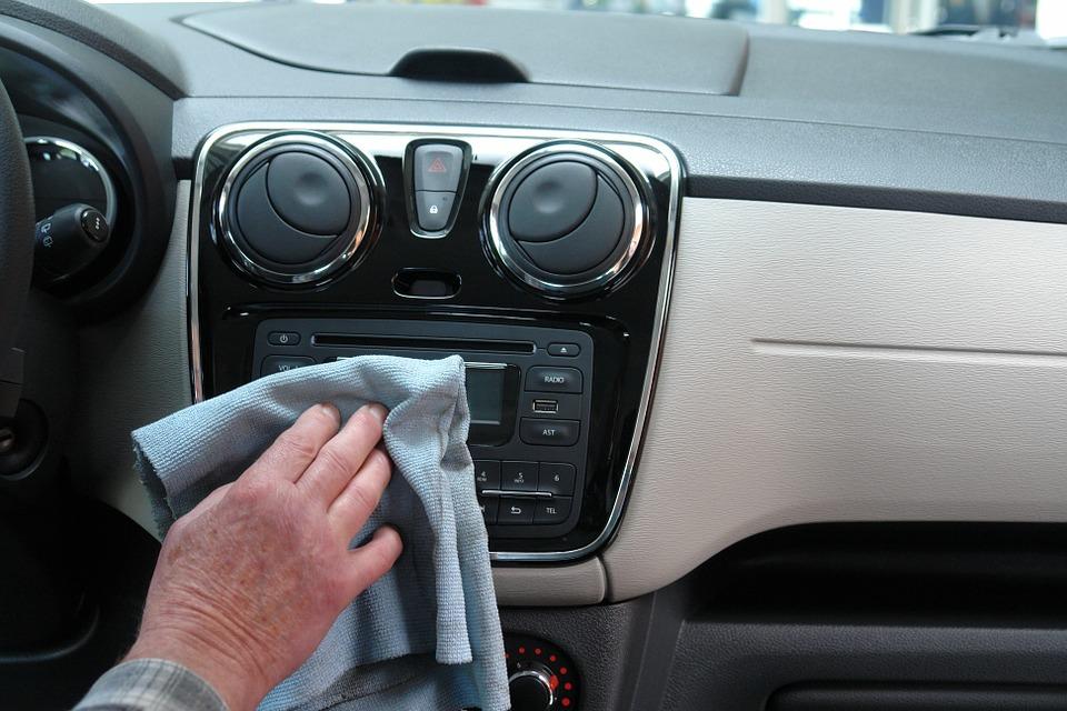 Pulizia auto esterni